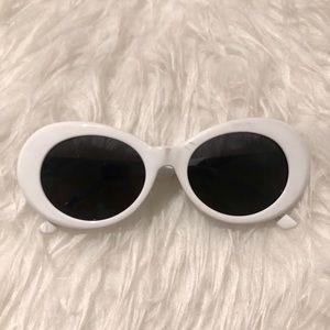 Accessories - Vintage white round sunglasses